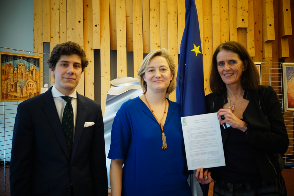 PRESS RELEASE – The petition against all forms of surrogacy submitted at the Council of Europe